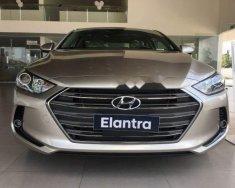 Cần bán xe Hyundai Elantra đời 2018, màu vàng giá 549 triệu tại Quảng Nam