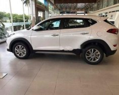Cần bán gấp Hyundai Tucson đời 2018, màu trắng giá 779 triệu tại Khánh Hòa