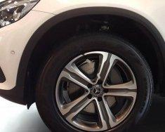 Bán Mercedes GLC 250 4matic đời 2018, màu trắng giá 1 tỷ 939 tr tại Hà Nội
