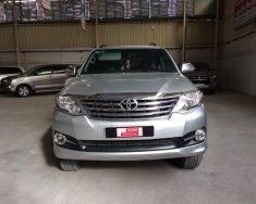 Bán Toyota số tự động 1 cầu, đời 2016, màu bạc, giá giảm tốt giá 890 triệu tại Tp.HCM