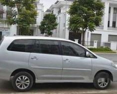Bán xe Toyota Innova E 2.0 sản xuất 2016, màu bạc chính chủ giá 625 triệu tại Hà Nội