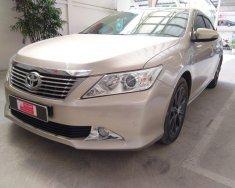 Cần bán Toyota Camry 2.5G, màu nâu vàng năm 2014 giá 890 triệu tại Tp.HCM