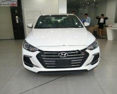 Bán Hyundai Elantra Sport 1.6 AT năm sản xuất 2018, màu trắng, giá 739tr giá 739 triệu tại Tp.HCM