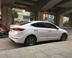 Cần bán xe Hyundai Elantra năm sản xuất 2018, màu trắng giá 540 triệu tại Bắc Ninh