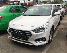 Cần bán xe Hyundai Accent 1.4 MT màu trắng, giao ngay, giá 490tr giá 490 triệu tại Tp.HCM