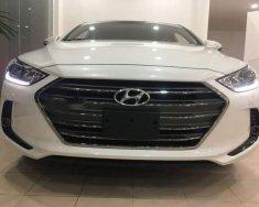 Bán xe Hyundai Elantra 1.6MT 2018, màu trắng giá 550 triệu tại Quảng Nam