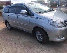 Cần bán gấp Toyota Innova 2010 số sàn, xe màu bạc giá 343 triệu tại Tp.HCM