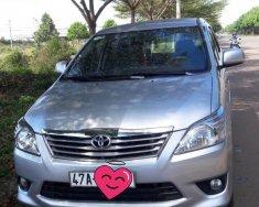 Cần bán Toyota Innova E đời 2013 màu bạc, giá tốt giá 500 triệu tại Đắk Lắk