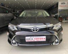 Bán xe Toyota Camry E đời 2018, màu nâu giá 990 triệu tại Tp.HCM