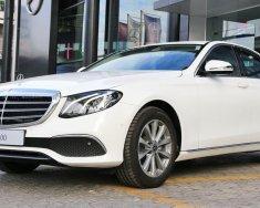 Bán xe Mercedes E200 đời 2018, màu trắng mới, giao xe toàn quốc giá 2 tỷ 99 tr tại Đắk Lắk