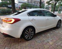 Cần bán Kia K3 2016, màu trắng giá 570 triệu tại Hà Nội