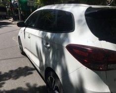 Bán xe Kia Rondo sản xuất 2017, màu trắng xe gia đình giá 570 triệu tại Bình Dương