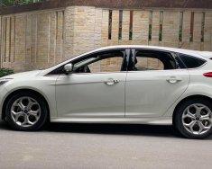 Ford Focus 2.0S đời 2015, màu trắng đẹp lung linh giá 565 triệu tại Hà Nội