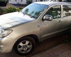 Cần bán Toyota Hilux đời 2010, màu bạc chính chủ, 360 triệu giá 360 triệu tại Bình Định