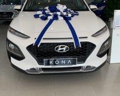 Bán Hyundai Kona tiêu chuẩn màu trắng xe giao ngay trước tết, giá Km hấp dẫn, hỗ trợ vay trả góp ls ưu đãi, LH: 0903175312 giá 620 triệu tại Tp.HCM