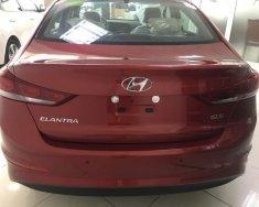 Cần bán Hyundai Elantra đời 2018, màu đỏ giá 560 triệu tại Tp.HCM
