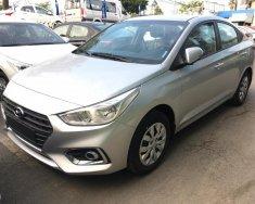 Bán xe Hyundai Accent 1.4 MT Base màu bạc, giao ngay, giá tốt nhất thị trường giá 425 triệu tại Tp.HCM