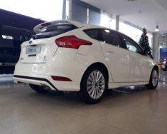 Bán ô tô Ford Focus đời 2018, màu trắng giá 725 triệu tại Tp.HCM