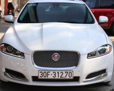 Bán Jaguar XF 2.0 model 2014 đăng ký 2016, màu trắng nội thất da bò giá 1 tỷ 440 tr tại Hà Nội