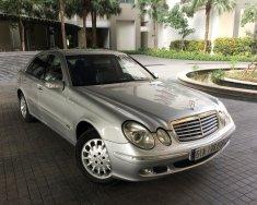 Cần bán Mercedes E240 2003, màu bạc, bảo hành 12 tháng  giá 300 triệu tại Hà Nội