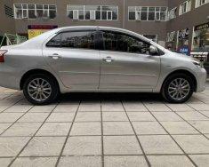 Cần bán lại xe Toyota Vios E sản xuất 2013, màu bạc giá 388 triệu tại Hà Nội