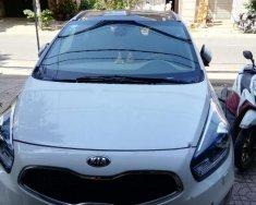 Bán xe Kia Rondo màu trắng, số tự động, sx năm 2016, xe gia đình giữ gìn cẩn thận giá 550 triệu tại Tp.HCM