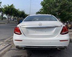 Cần bán xe cũ Mercedes E200 năm sản xuất 2018, màu trắng giá 2 tỷ 99 tr tại Tp.HCM