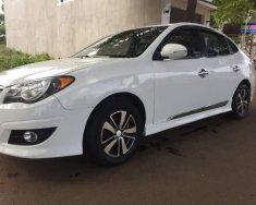 Cần bán gấp Hyundai Avante đời 2012, màu trắng giá 330 triệu tại Đắk Lắk
