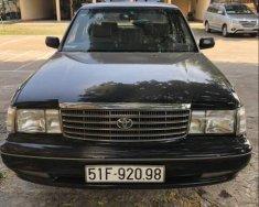 Cần bán lại xe Toyota Crown sản xuất năm 1995, màu đen giá 165 triệu tại Tp.HCM