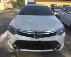 Bán Toyota Camry 2.5Q sản xuất 2019, màu trắng, thể hiện đẳng cấp vượt trội giá 1 tỷ 277 tr tại Tp.HCM