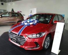 Bán Hyundai Elantra năm sản xuất 2018, màu đỏ giá 560 triệu tại Tp.HCM