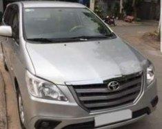 Bán Toyota Innova 2.0E đời 2014, màu bạc, chính chủ giá 550 triệu tại Cần Thơ