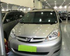 Bán Toyota Sienna LE đời 2008, màu bạc, xe nhập, 710 triệu giá 710 triệu tại Tp.HCM