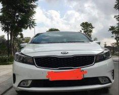 Cần bán gấp Kia K3 2.0 2016, màu trắng, giá tốt giá 240 triệu tại Hải Phòng