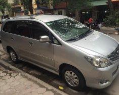 Cần bán xe Toyota Innova 2.0V sx 2010 số tự động màu bạc giá 408 triệu tại Tp.HCM
