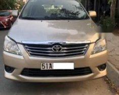 Cần bán lại xe Toyota Innova đời 2013, màu vàng số sàn giá 488 triệu tại Tp.HCM