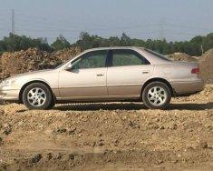 Cần bán Toyota Camry năm sản xuất 1998, màu hồng, nhập khẩu nguyên chiếc giá 270 triệu tại Tp.HCM