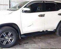 Bán xe Toyota Fortuner 2.4G 4x2 MT 2017, màu trắng xe gia đình giá 990 triệu tại Bạc Liêu