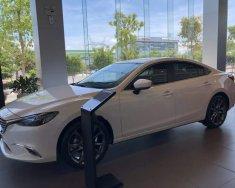 Cần bán xe Mazda 6 năm 2019, màu trắng giá 819 triệu tại Tp.HCM
