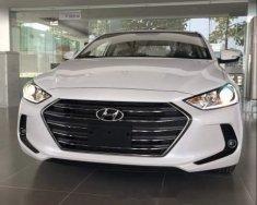 Cần bán xe Hyundai Elantra đời 2019, màu trắng, xe nhập, giá tốt giá 545 triệu tại Bình Dương