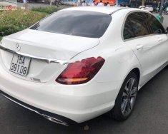 Cần bán lại xe Mercedes C250 Exclusive năm sản xuất 2018, màu trắng giá 1 tỷ 620 tr tại Hà Nội