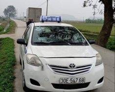Cần bán gấp xe Toyota Vios sản xuất năm 2010, màu trắng giá 205 triệu tại Hà Nội