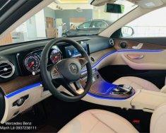 Cần bán xe Mercedes E200 năm sản xuất 2019 giá 2 tỷ 99 tr tại Tp.HCM
