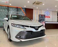 Bán xe Toyota Camry 2.5Q năm 2019, màu trắng, xe nhập giá 1 tỷ 235 tr tại Hà Nội