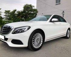 Gia đình cần bán xe C250, sản xuất 2017, số tự động, màu trắng giá 1 tỷ 295 tr tại Tp.HCM
