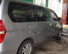 Bán xe Hyundai Grand Starex năm sản xuất 2010, màu bạc, xe nhập chính chủ giá 580 triệu tại Quảng Bình
