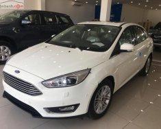 Bán Ford Focus Trend 1.5L đời 2019, màu trắng, giá tốt giá 570 triệu tại Tp.HCM