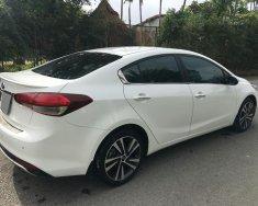 Bán Kia Cerato 8/2018 tự động màu trắng xe rất tuyệt giá 596 triệu tại Tp.HCM