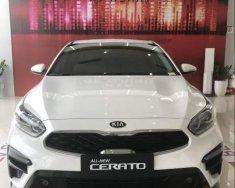 Bán Kia Cerato sản xuất năm 2019, màu trắng giá 589 triệu tại Quảng Ngãi