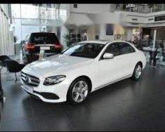 Cần bán Mercedes E250 màu trắng, đăng ký tháng 1/2018 giá 2 tỷ 500 tr tại Tp.HCM